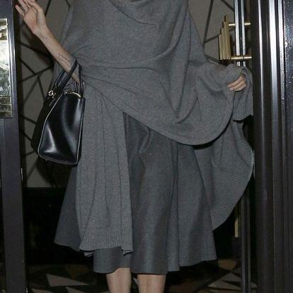 Zörögnek a csontjai! Angelina Jolie még sohasem volt ilyen vékony - Képek!
