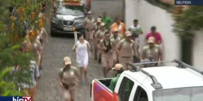 Megérkezett az olimpiai láng a káosz sújtotta Brazíliába