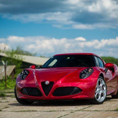 Nép-Ferrari 22 millióért - Alfa Romeo 4C – 2015.