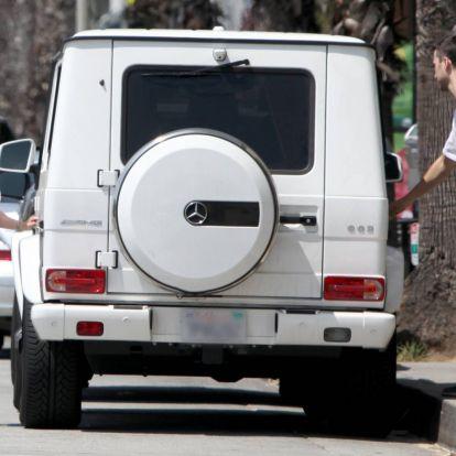 Szegény Jennifer Love Hewitt már a boltba sem tud elmenni