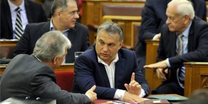 Orbán Viktor: Nemzetközi erők migránsok behozatalán dolgoznak