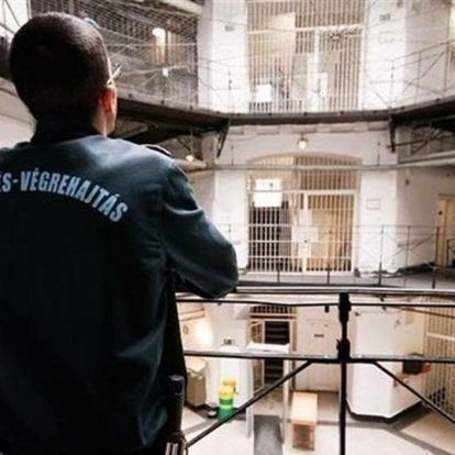 220 ezres kezdőfizetést és évi 200 ezres cafeteriát kapnak a tiszthelyettes börtönőrök