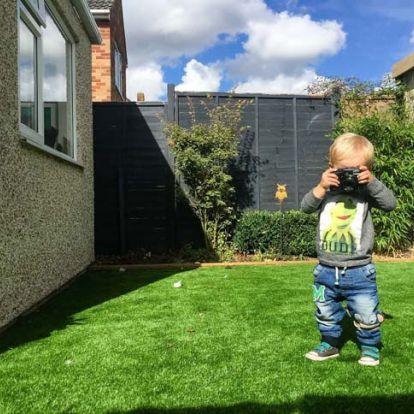 A világ egy kisgyermek szemével – ilyen fotókat készített a 19 hónapos kisfiú
