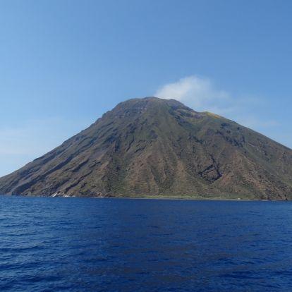 Egy csodálatos túra: vulkánkitörés a lábaink előtt