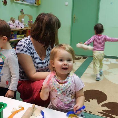 Bölcsi egyévesen? Egy szinte lehetetlen küldetés Magyarországon