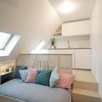 15 négyzetméteres, tetőtéri lakás