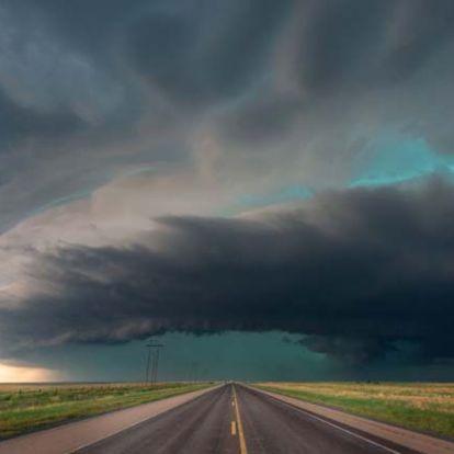 8 éve üldözi a leglátványosabb viharokat az elszánt fotós