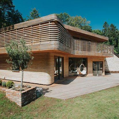 Egyedi hajlított fából készült faház