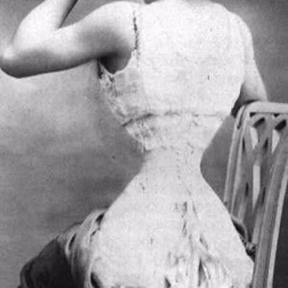 """""""A legrondább nő a világon"""" – ritka fotók az extrém vékony derekú színésznőről"""