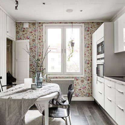 Virágos falak a lakásban