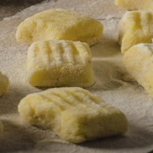 Krumplinudli olaszul: a @gnocchi