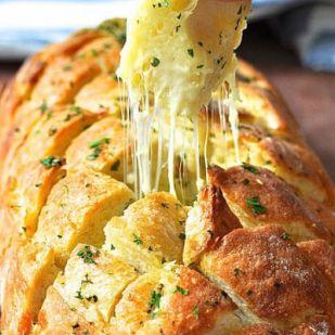 Nyúlós sajtos kenyér finom fűszerekkel - Vacsorára is remek