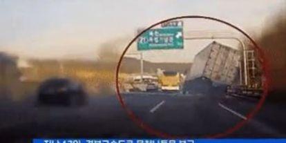 Úristen! Mekkorát mentett ez a kamionos?!