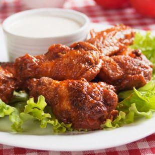 Pikáns, tepsiben sült csirkeszárnyak - Hozz ki minden eddiginél többet a csirkeszárnyból