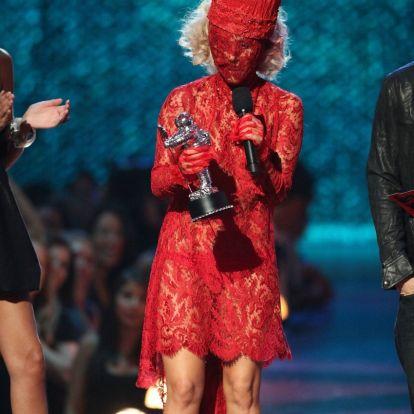 Aki művészi szintre emelte az öltözködést: Lady Gaga ikonikus szettjeiből válogattunk