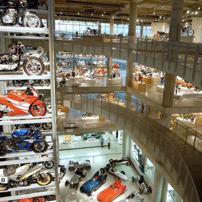 Gyere lessünk be a világ legnagyobb motorkerékpár múzeumába