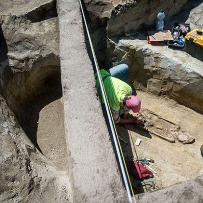 Attila korabeli, ritka sírt találtak a régészek Kecskemét határában