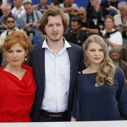 Reménytelen útkeresés, vak tárlatvezetés – Enyedi-tanítványok Cannes-ban