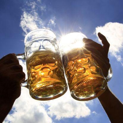 Elképesztő mennyiségű sör fogy a kánikulában