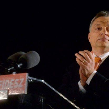 Spiegel: Orbán már a szélsőjobboldalon vadászik