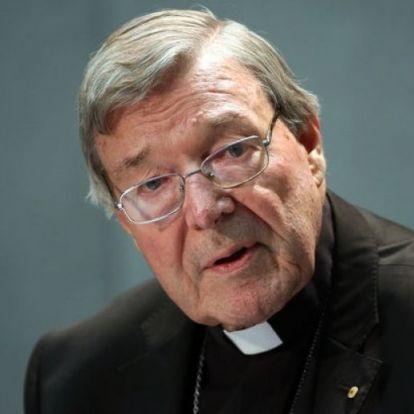 Tettenérés: Meleg orgia volt Ferenc pápa tanácsadójánál