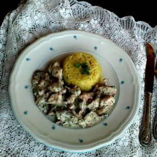 Tejfölös-gombás csirkeragu - ebéd fél óra alatt
