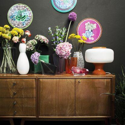 Szürke és pop-up színek a lakásban