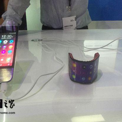 Karra tekerhető telefont mutatott meg a Lenovo