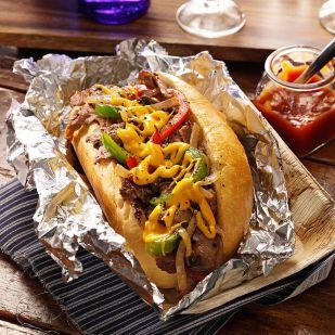 Philadelphia kedvence: Philly cheese steak szendvics