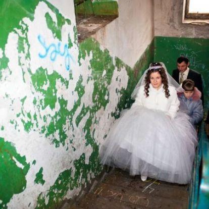 Vodka, aranyhal, mélabú: elképesztő orosz esküvői pillanatok