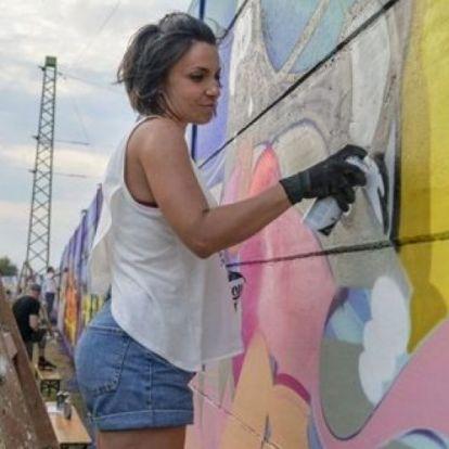 Graffiti művészek alkotásai a Szemeretelepen