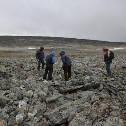 Több mint 1000 éves viking kardot húztak ki egy kőhalomból Norvégiában
