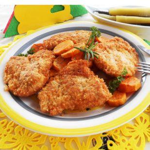 Paleo rántott csirkemell rozmaringos édesburgonyával paleo kovászos uborkával