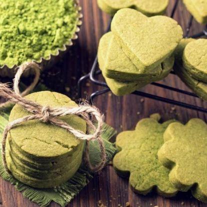 Gasztroajándéknak vagy a magunk örömére: matcha tea illatos sütiben