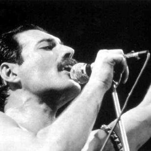 26 éve közölte a világgal Freddie Mercury, hogy AIDS-es