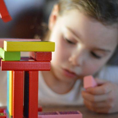 Mennyi játék kell a gyereknek? – A kevesebb több