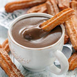 Diós churros forró csokoládéval