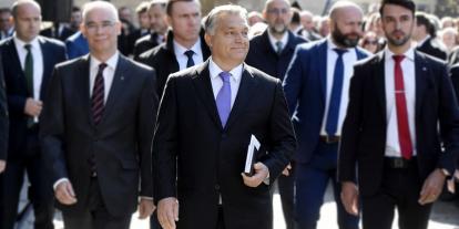 Orbán Viktor a Kossuth téren tartja ünnepi beszédét március 15-én