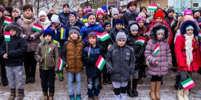 Szívesebben foglalkozik EU a migránsokkal, mint az őshonos kisebbségekkel