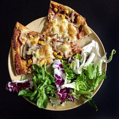 Szénhidrát csökkentett pizza zabpehely liszttel