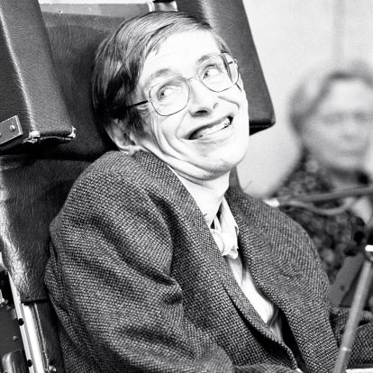 10 megható fotón Stephen Hawking életének legemlékezetesebb pillanatai
