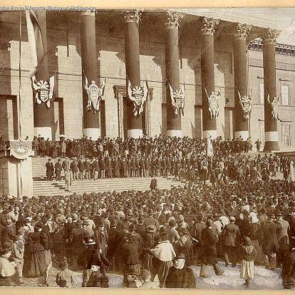 Március 15-e Budapesten: másfél évszázad képei