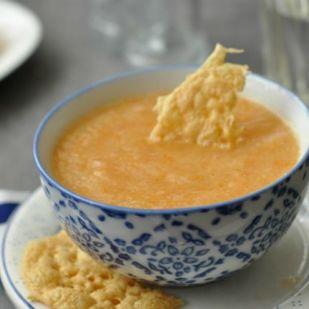 Karfiol krémleves sajttallérokkal