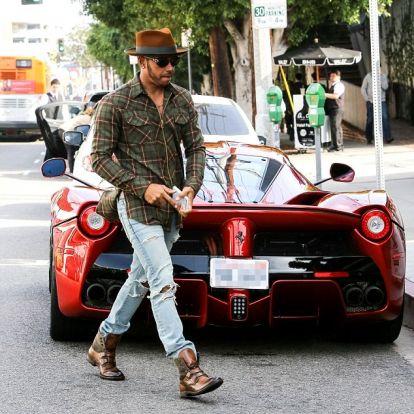 Hamiltonra vár a Ferrari?
