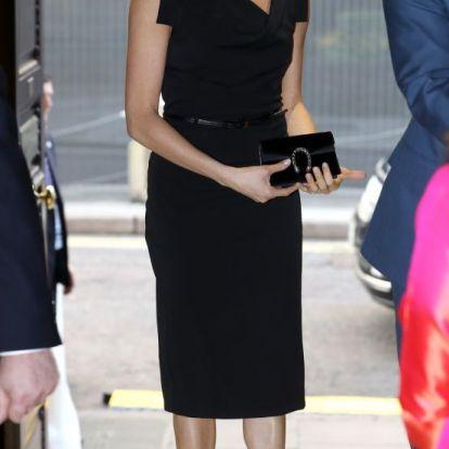 Meghan Markle és Kim Kardashian egyforma ruhát viselt