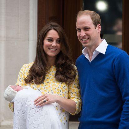 Ez a ma 3 éves Sarolta hercegnő ajándéka II. Erzsébettől