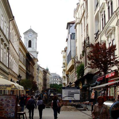 Évszázadok óta sétatér a Váci utca