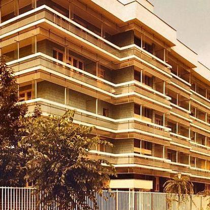 A kékcsempés tömb és társaik: a 60-as évek lesajnált és mégis csodás építészete