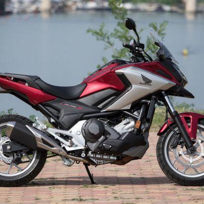 Majdnem csapatós motor lett belőle - Teszt: Honda NC750X DCT – 2018.