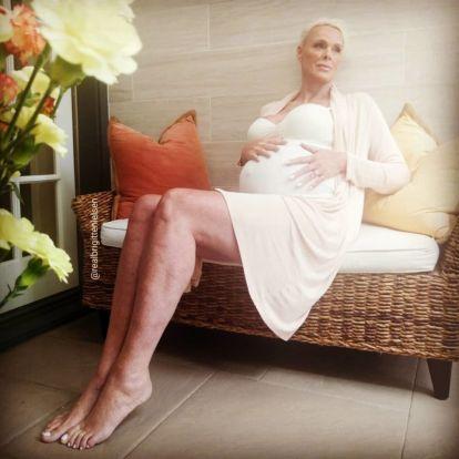54 évesen babát vár Brigitte Nielsen
